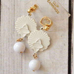 new vintage white enamel drop earrings dangle bead